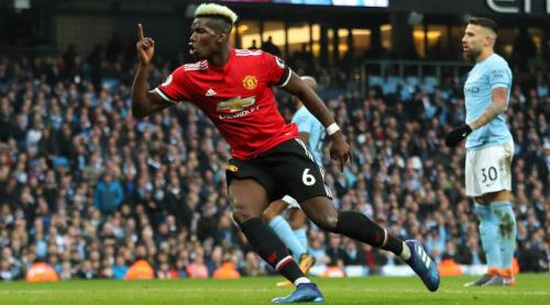 Trận đấu với Man City là điểm sáng hiếm hoi của Pogba tại Man Utd. Ảnh:Reuters.