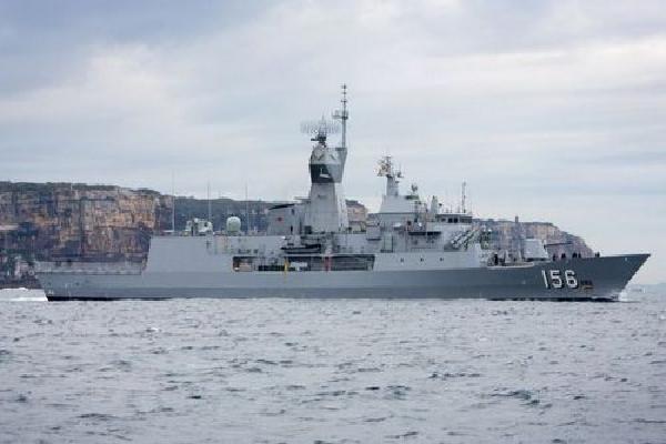 Tàu chiến Australia chạm mặt hải quân Trung Quốc trên Biển Đông