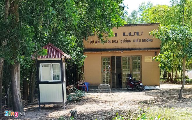 Dự án khu du lịch sinh thái mang tên Hải Lưu được treo 10 năm tại xã Cửa Cạn. Ảnh: Việt Tường.