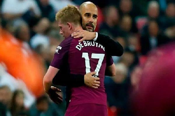 De Bruyne mong Guardiola ở lại để xây dựng đế chế Man City