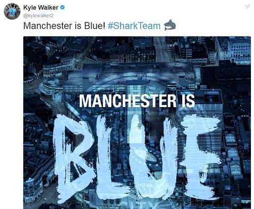 Hậu vệ Kyle Walker đăng ảnh với dòng chữ thành Manchester màu xanh.