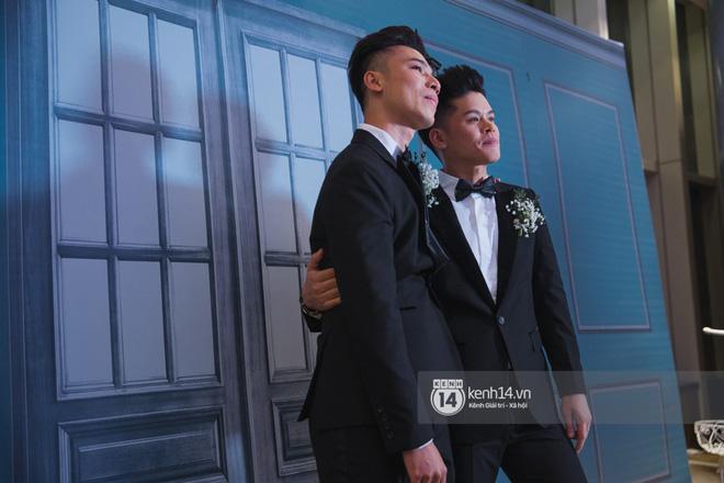 Nước mắt đã rơi trong đám cưới John Huy Trần và bạn trai, nhưng mở ra những ngày tháng hạnh phúc sau 9 năm yêu bền bỉ - Ảnh 7.