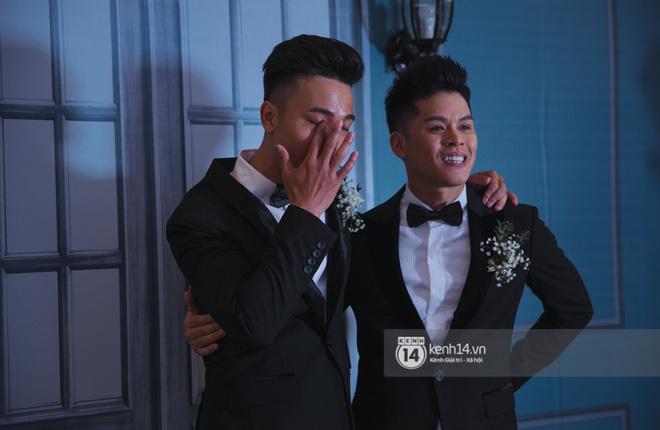 Nước mắt đã rơi trong đám cưới John Huy Trần và bạn trai, nhưng mở ra những ngày tháng hạnh phúc sau 9 năm yêu bền bỉ - Ảnh 5.
