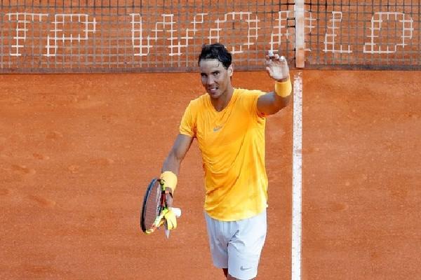 Nadal thắng nhanh Khachanov, lập kỷ lục Monte Carlo