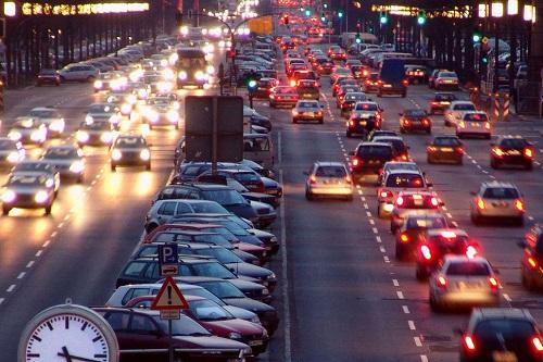 Một phần ba lượng xe cá nhân tại Đức sử dụng động cơ diesel. Ảnh: Technews.
