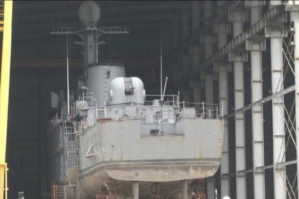 Làm chủ công nghệ sửa chữa tàu và vũ khí, khí tài hải quân