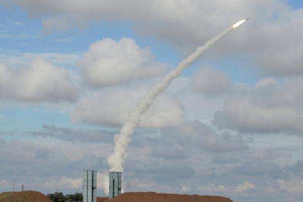 Nga sắp biên chế tên lửa phòng không tầm bắn 400 km