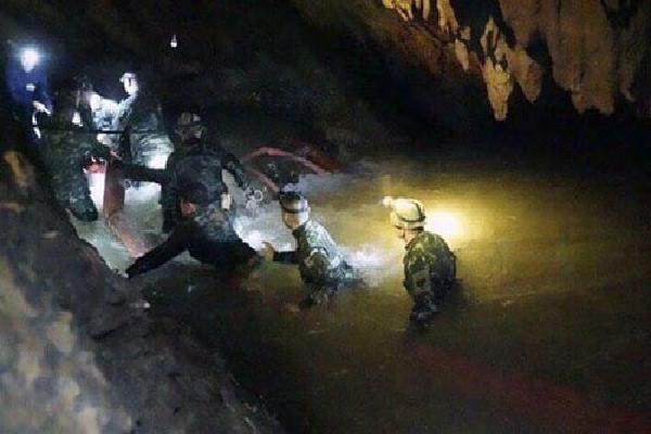 NÓNG: Cậu bé thứ 5 có thể đã được cứu khỏi hang Thái Lan