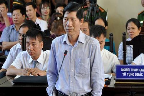 Vì sao phó giám đốc Bệnh viện Hoà Bình bị khởi tố trong vụ án bác sĩ Lương?