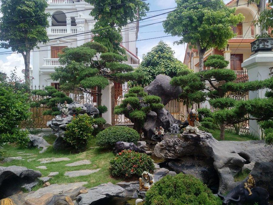 Khu sân vườn, tiểu cảnh của một biệt thự.