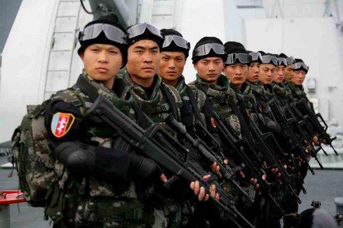 Lính đặc nhiệm Trung Quốc trong một đợt diễn tập năm 2016. Ảnh: Sina.
