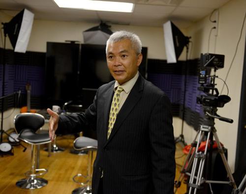Ông Khang Nguyen, đại diện hội người gốc Việt ở bang Massachusetts. Ảnh: WGBH