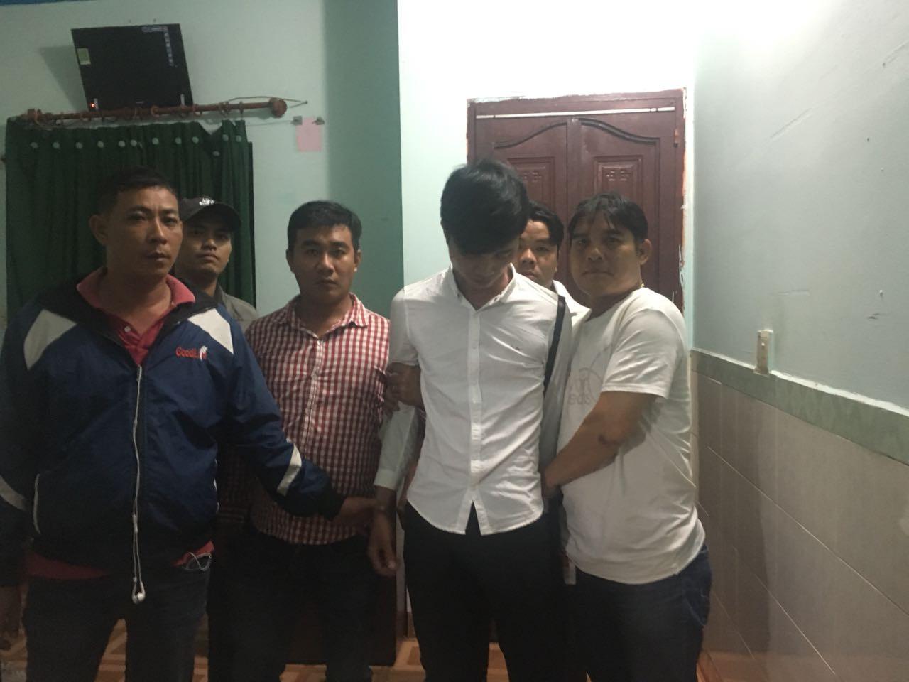 Đội hiệp sĩ Nguyễn Thanh Hải lần theo bắt giữ đối tượng Ngọc.