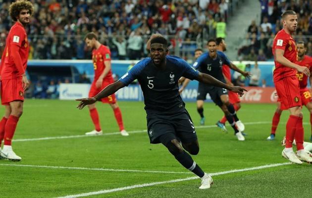 Samuel Umtiti đã trở thành người hùng của ĐT Pháp.