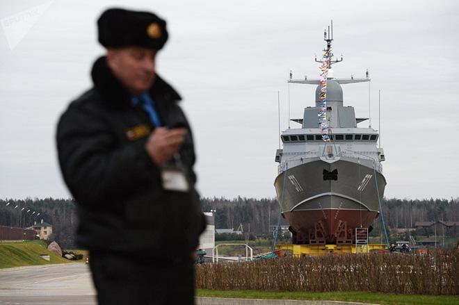 """Tàu tên lửa nhỏ của Nga (tàu hộ tống) dự án 22800 """"Karakurt"""""""