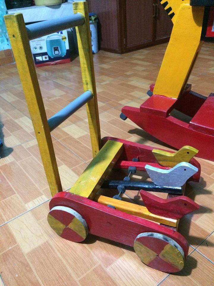 Và cả chiếc xe đẩy made by bố Bi nữa này!