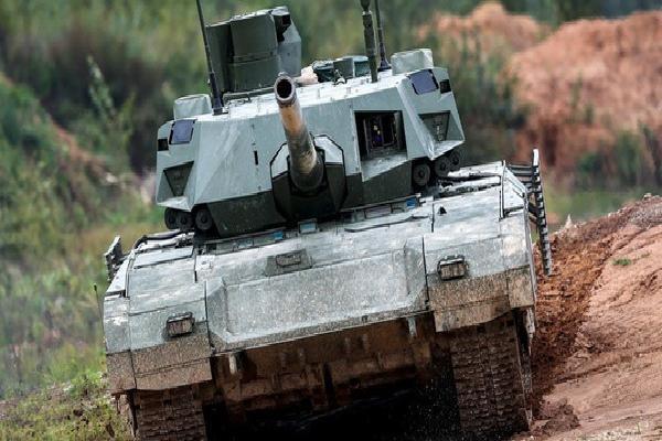 Đại tá Nguyễn Khắc Nguyệt: Pháo xe tăng T-14 Armata là 'độc nhất vô nhị