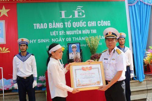 Lễ truy điệu Liệt sỹ Đại úy Nguyễn Hữu Thi. Nguồn: Cổng thông tin điện tử huyện Hoằng Hóa