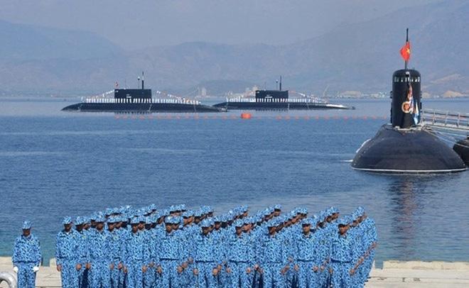 Bộ đội tàu ngầm Kilo-636 Hải quân Việt Nam. ẢNh: QĐND.
