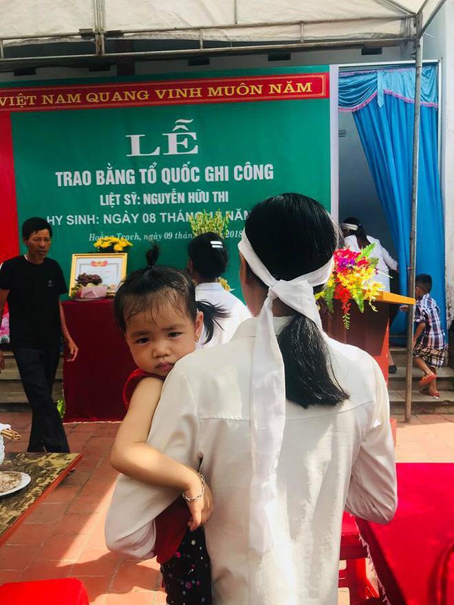 Lễ trao bằng Tổ quốc ghi công cho Liệt sĩ Nguyễn Hữu Thi.