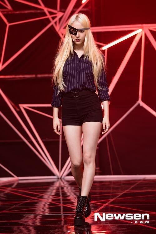 Krystal đã từng được ca ngợi là người mặc váy tennis và quần short đẹp nhất Kpop.