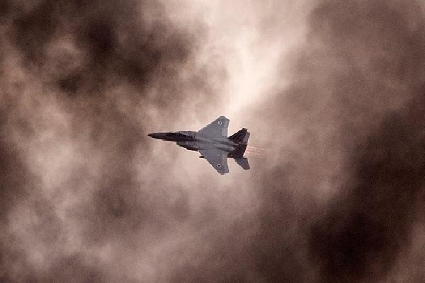 Căn cứ quân sự Syria hứng chịu đòn không kích của Israel