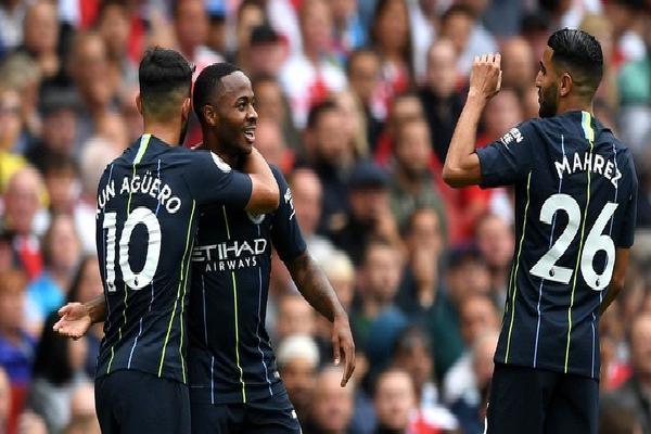 'Cừu đen' World Cup lên tiếng, Man City biến Arsenal thành lũ trẻ ngẩn ngơ