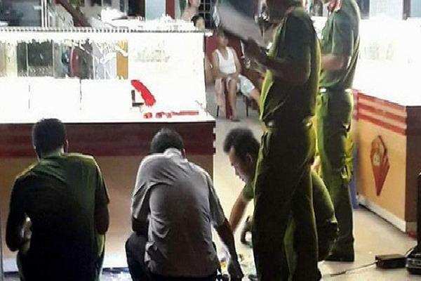 Tiệm vàng ở Tây Ninh bị trộm mất hơn 2 tỷ đồng