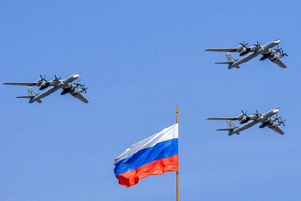 Hàn Quốc cử tiêm kích chặn máy bay ném bom Nga
