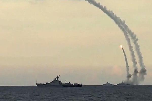 Nga phản công hiểm hóc trên biển Caspian: Mỹ bất ngờ choáng váng và 'lấm lưng trắng bụng'