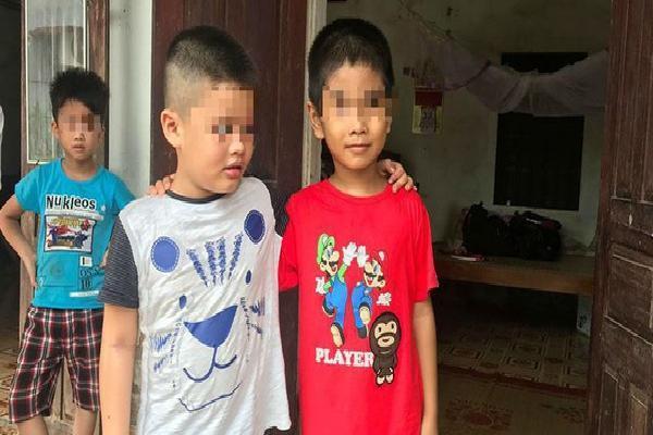 [Ảnh] Con trẻ liên tục rơi nước mắt, đòi xuống Hà Nội cùng mẹ vụ bệnh viện trao nhầm con