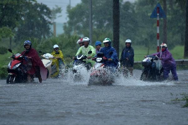 Dự báo thời tiết 15/8: Bão tiến gần Hải Phòng - Thanh Hóa, miền Bắc mưa rất to