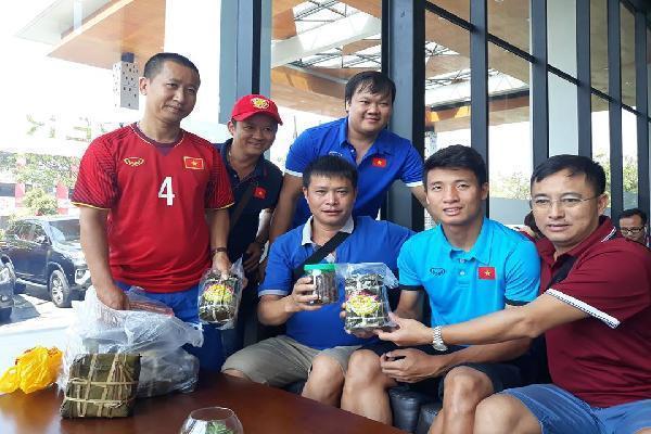 U23 Việt Nam nhận được món quà bất ngờ, thầy Park 'bỏ rơi' học trò