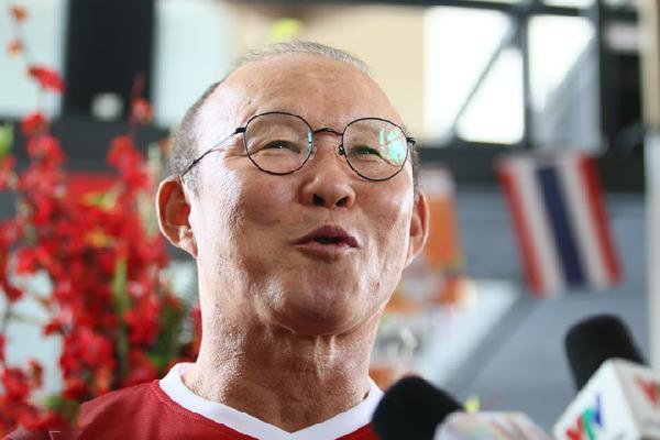 HLV Park Hang-seo mong đối thủ Nepal giữ lời với Olympic Việt Nam