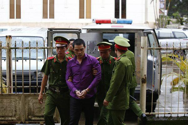 Tại sao lại hoãn phiên tòa xét xử đối tượng giết người chôn xác phi tang ở Lâm Đồng?