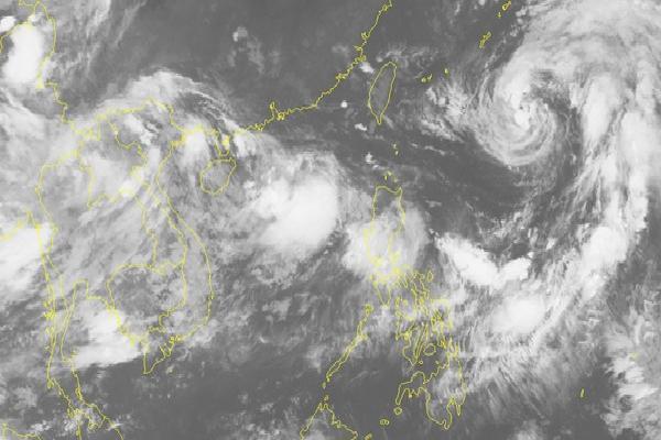 Chuyên gia nhận định bão số 4 'hình thái vô cùng đặc biệt, hướng đi dị thường'
