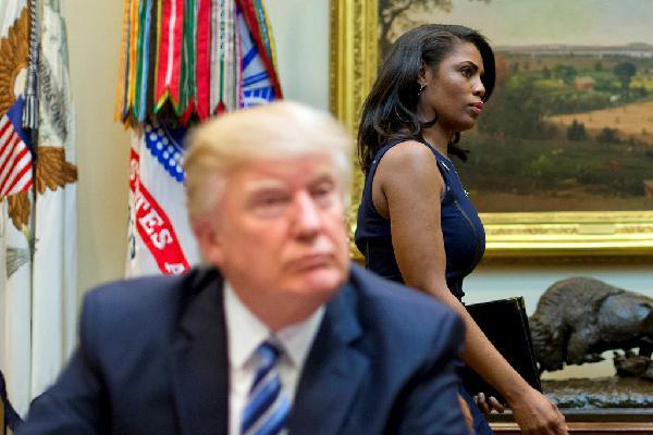 Gọi cựu trợ lý là 'chó', Trump nối dài danh sách kẻ thù mới