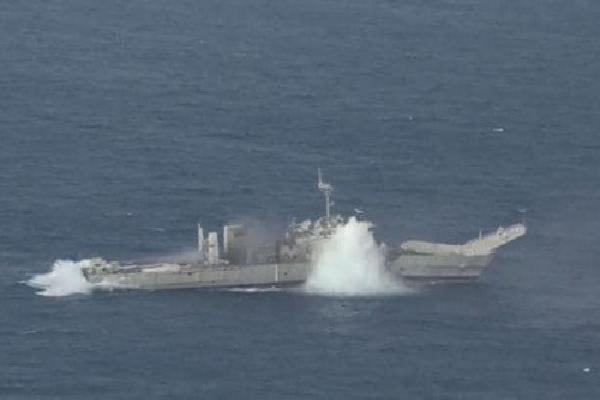 Ba nước khai hỏa tên lửa đánh chìm tàu chiến trong diễn tập RIMPAC