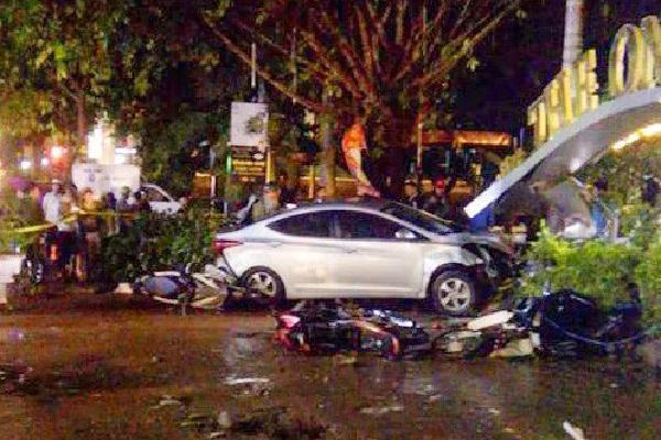 Yêu cầu khởi tố vụ ôtô lao vào quán cà phê tông chết 2 nữ sinh