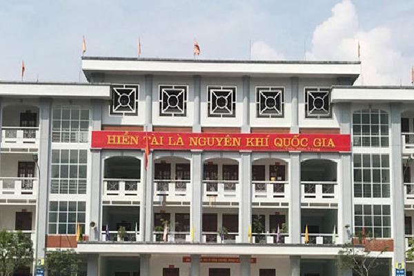 Học sinh Hà Giang buồn vì bị miệt thị dùng tiền mua điểm