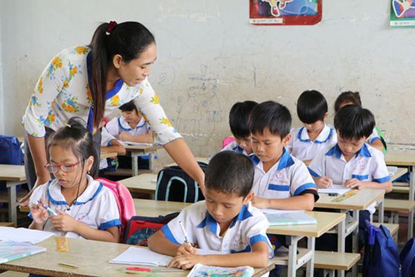 Giáo viên bị xem xét cắt hợp đồng ở Cà Mau có cơ hội giảng dạy
