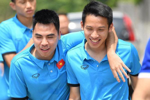 Olympic Việt Nam đùa nghịch, cười thả ga trước giờ G