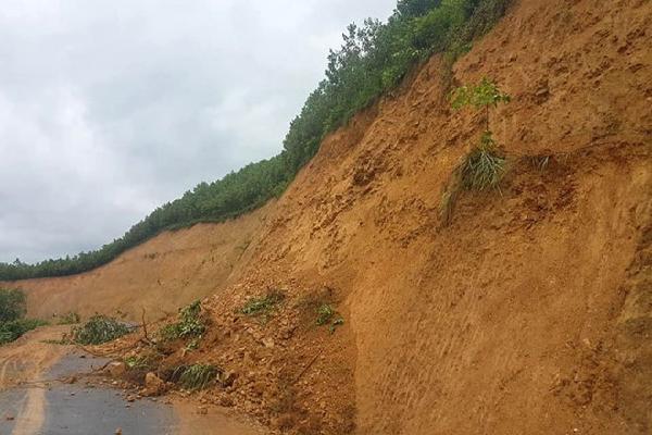 Mưa lớn, hai vợ chồng mất tích trên sông Lam