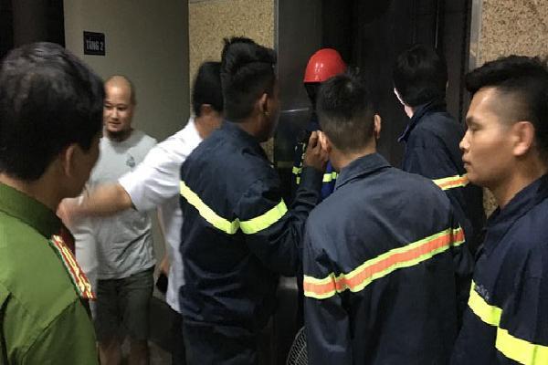 Thanh Hóa: 7 em nhỏ mắc kẹt trong thang máy thư viện