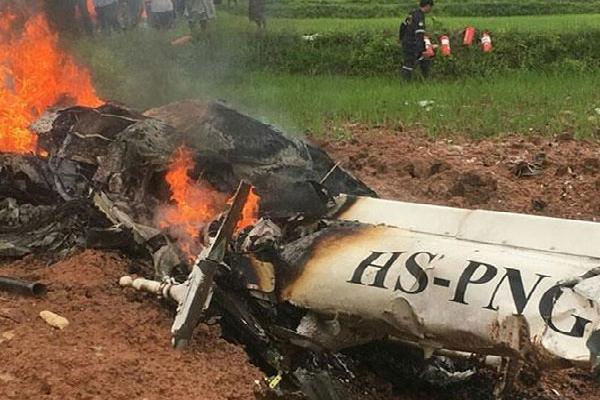 Trực thăng rơi xuống cánh đồng ở Thái Lan, ít nhất 3 người thiệt mạng