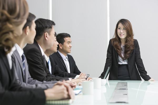 Lời nhắn của sếp gửi nhân viên bị sa thải: 'Đến một công ty làm việc, đừng chỉ chăm chăm việc kiếm tiền, trước tiên hãy học sao cho mình đáng tiền'