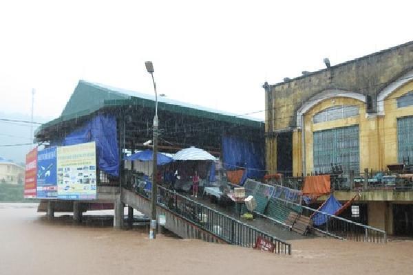 Huyện miền núi Quảng Ninh chìm trong biển nước