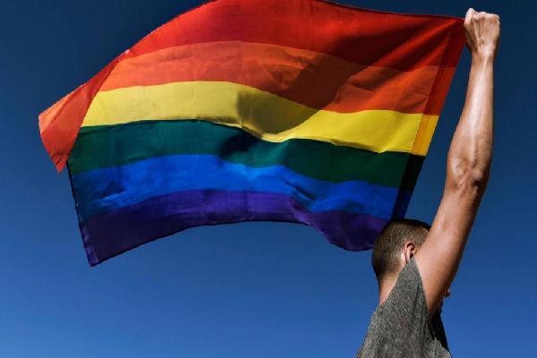 62% người LGBT+ đã từng có suy nghĩ tự tử do bị bắt nạt và kì thị