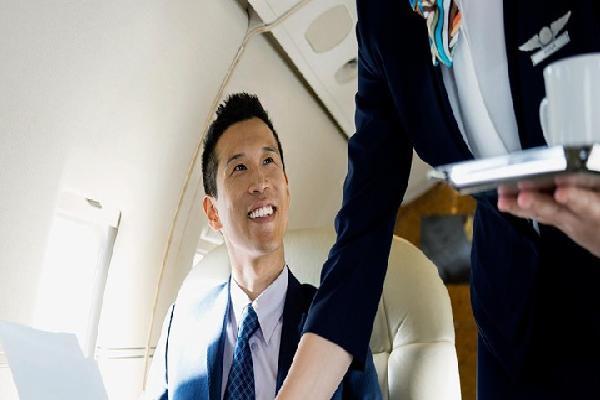 Đồ uống trên máy bay có sạch không?