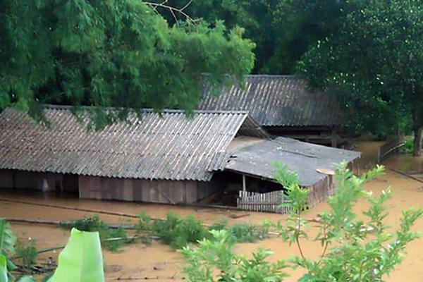 8 người chết sau hai ngày mưa lũ do bão Bebinca